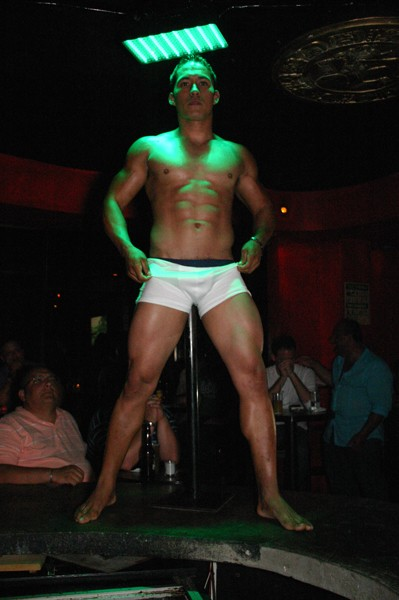 anthropology 2010 stripper contestant damian