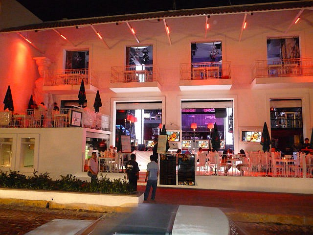 Old Glam   Puerto Vallarta Club Restaurant And Downtown Bar
