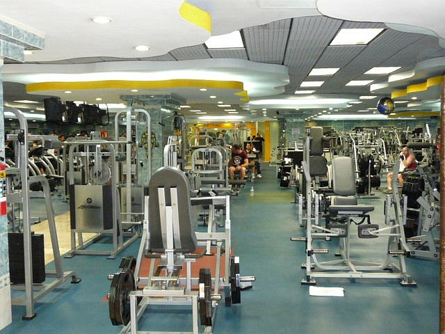 Gold's gym thailand