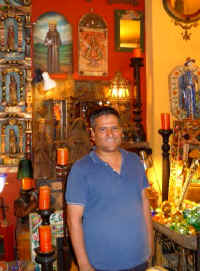puerto vallarta shops tips - Safari Accents friendly staff Gerardo