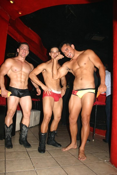 Amazing gay scene stripping out of their 4